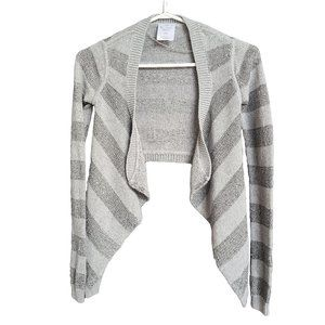 IVIVVA ATHLETICA Gray & Silver Sequined Shrug 10